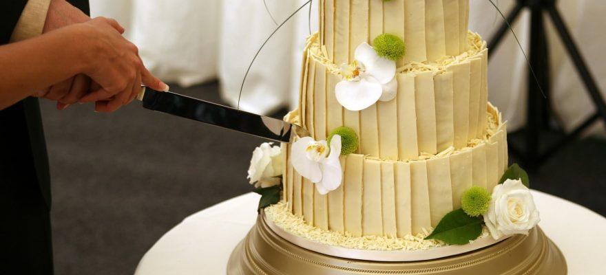 Tradiții-de-nuntă-care-continuă-să-existe-si-în-prezent
